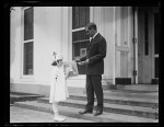 Christmas_seals_(White_House,_Washington,_D.C, 1921